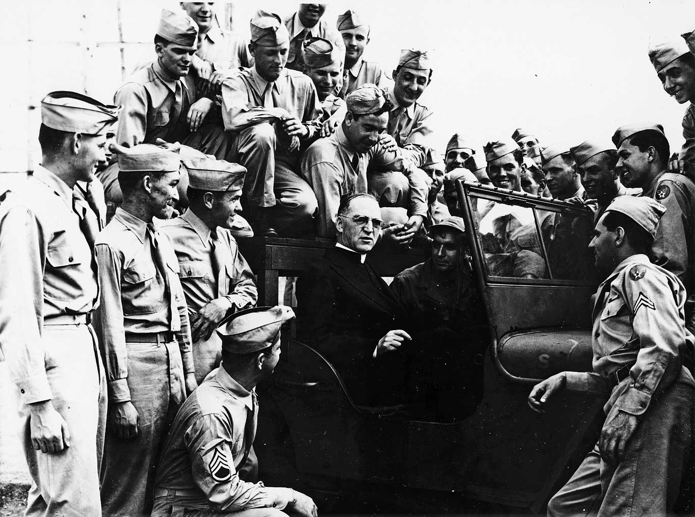 father-flanagan-with-troops-wwii